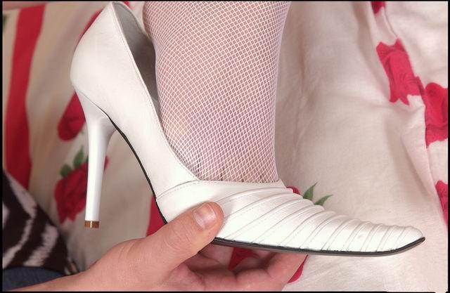 高跟鞋与裹小脚区别很大吗?