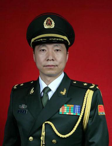 这才几年呀,杨利伟已经是少将了...