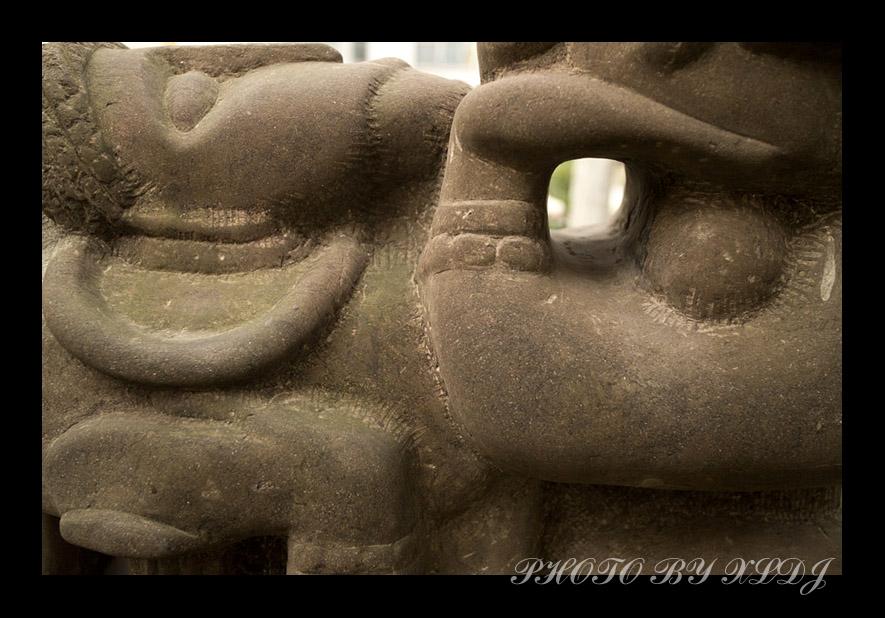 夏罗多吉作品:川美雕塑印象