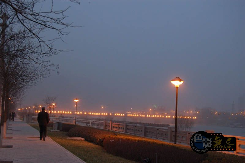 冬日看海作品:黄昏漫步