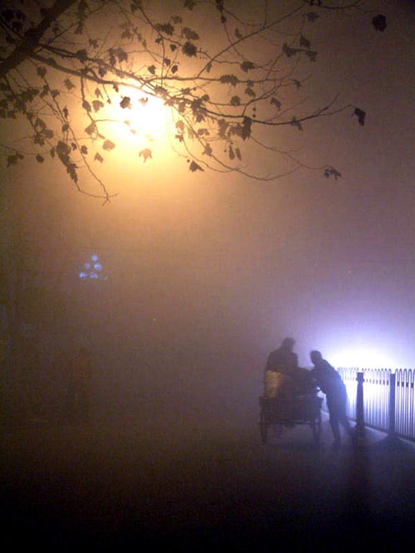 海天5858作品:雾夜