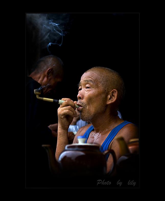 丽人行作品:茶馆里的老茶客