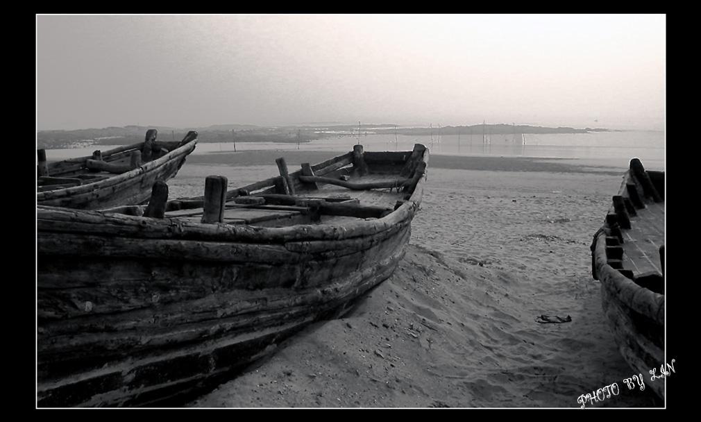 骊歌作品:海滩遗迹