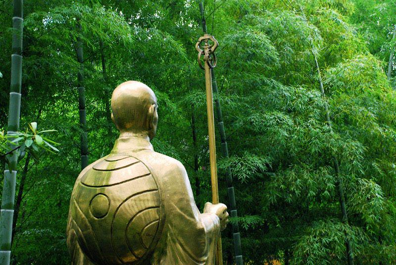 欣赏花儿凋零作品:僧与竹