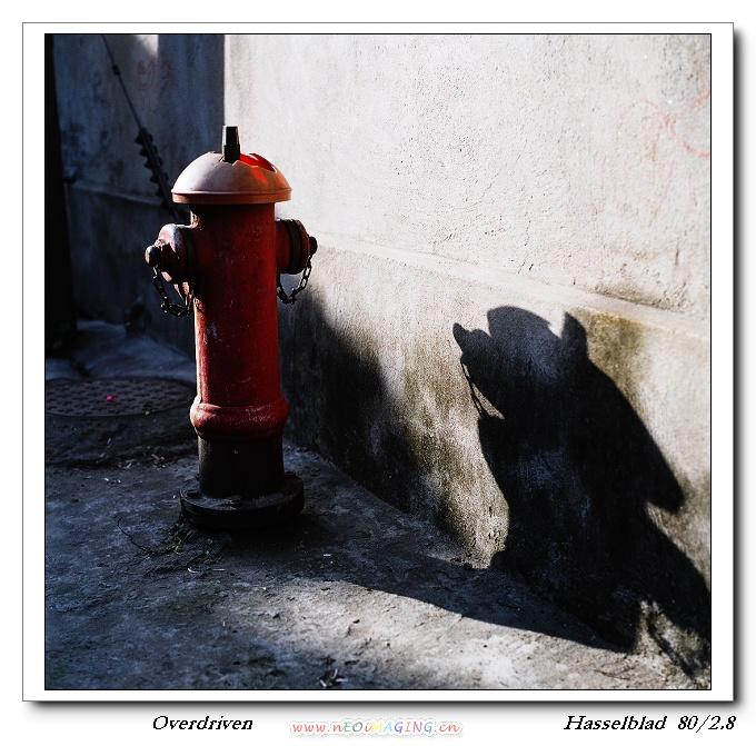 overdriven作品:消防龙头和他的影子
