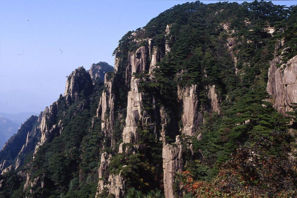 huxian作品:黄山陡壁