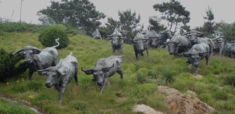 优雅的城市马车作品:奔牛