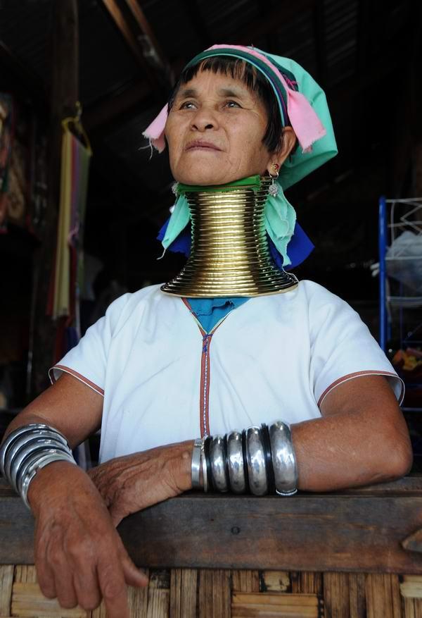 达顿作品:缅甸长颈族
