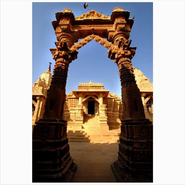 达顿作品:印度神庙