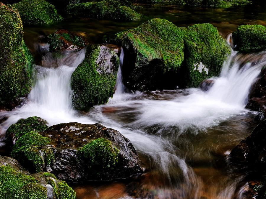 弈天作品:小溪流水