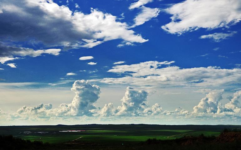 颜明玉作品:云是被地是床2