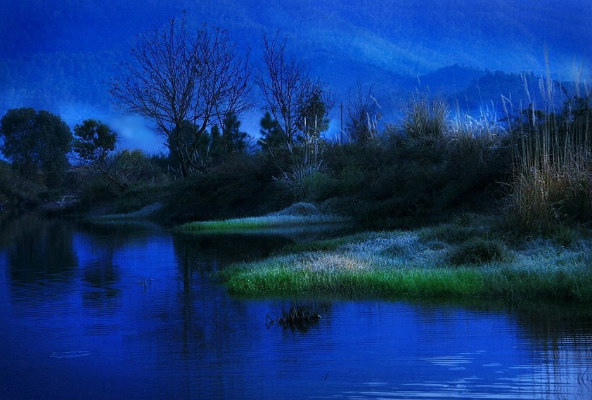 一线蓝光作品:晨
