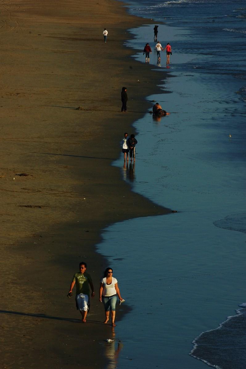 Joycexu作品:漫步海滩
