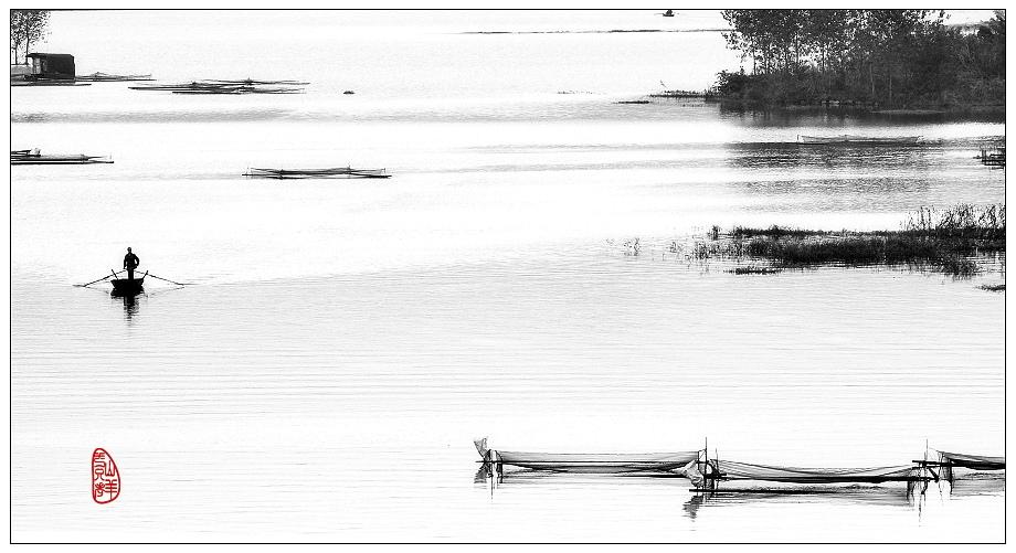 一只老山羊作品:三岔湖上