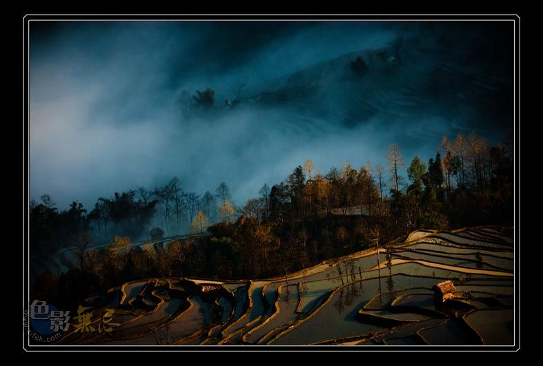 云中龙舞作品:雾绕山间