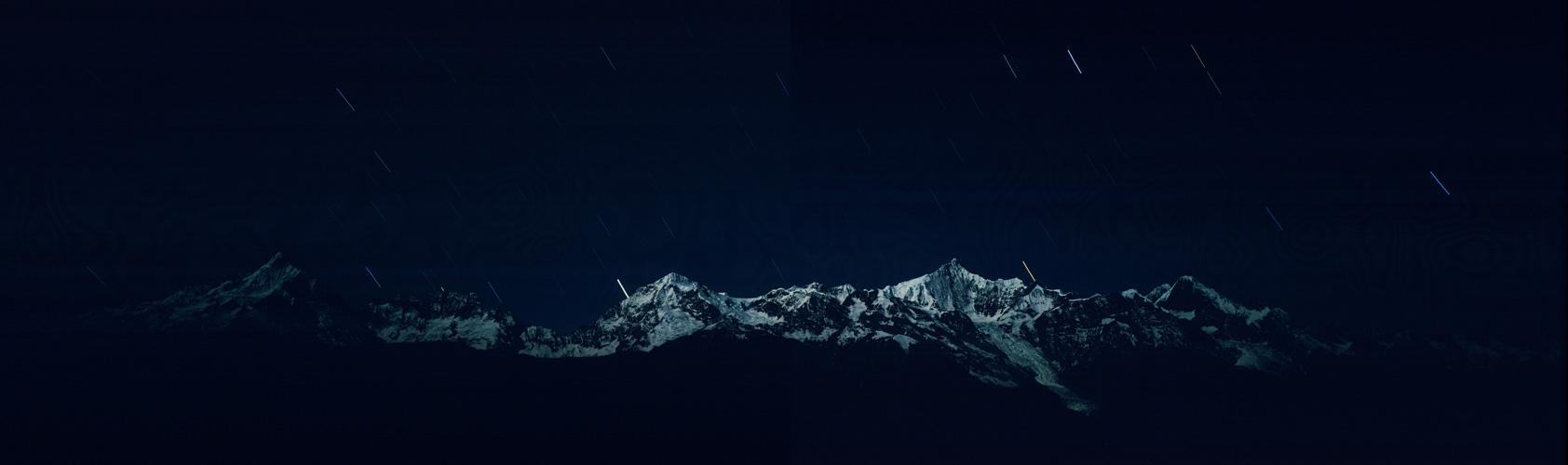 背景 壁纸 皮肤 星空 宇宙 桌面 1684_500图片