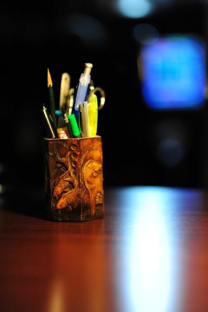 名朝风作品:笔筒
