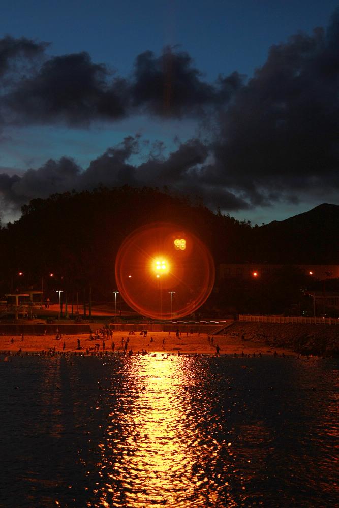 leonyeh作品:海滨浴场