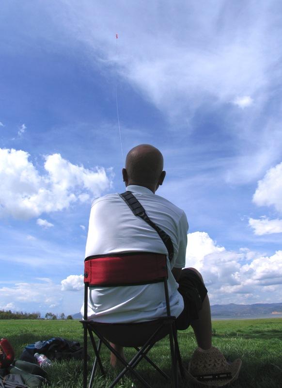 蛇皮口袋作品:在大理的天空下