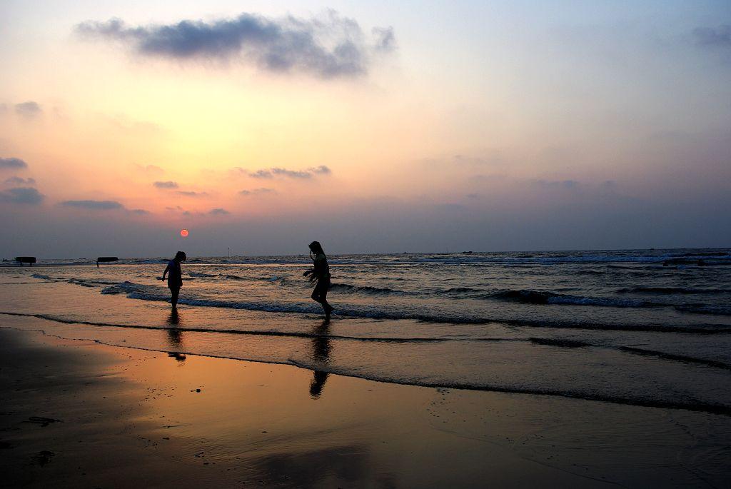 哥哥升级拖拉机-山东升哥摄影作品 海边夕阳图片