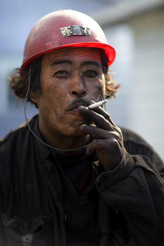 丽人行作品:煤矿工人