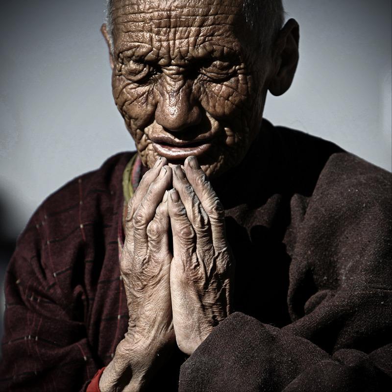 安~安作品:藏族老人