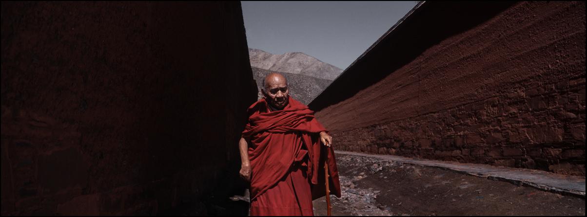 丽人行作品:转寺的高僧