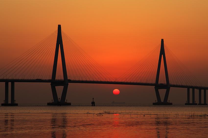 古木飞舟作品:杭州湾跨海大桥.