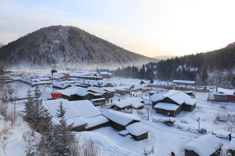 天空辽阔作品:雪乡的早晨