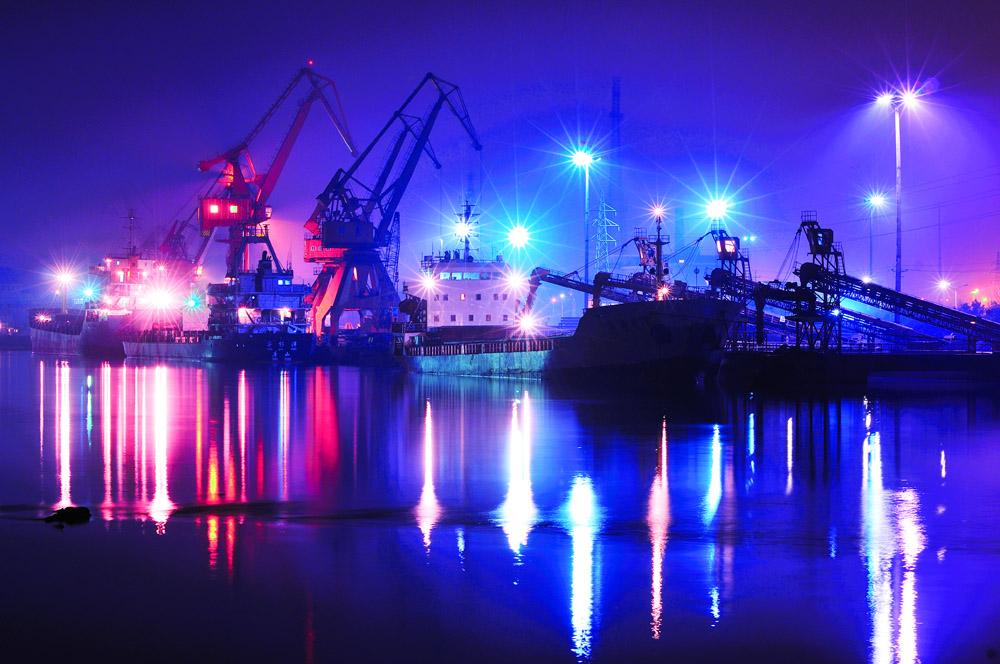 渔池飘帆作品:海港之夜