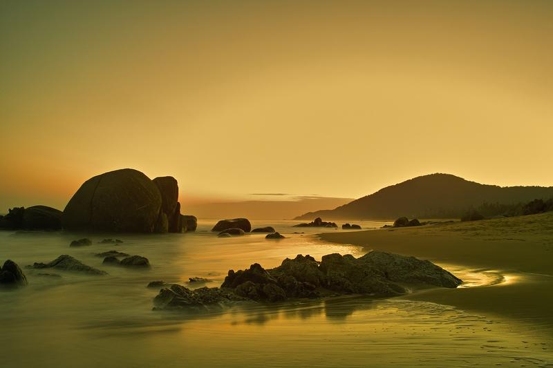 大道无为作品:夕阳海岸