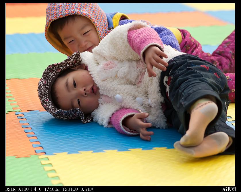 了扎咧作品:快乐童年