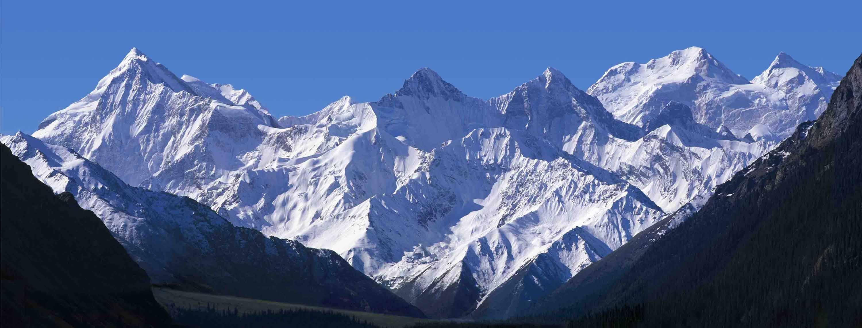 风雪天山作品:木扎尔特冰川