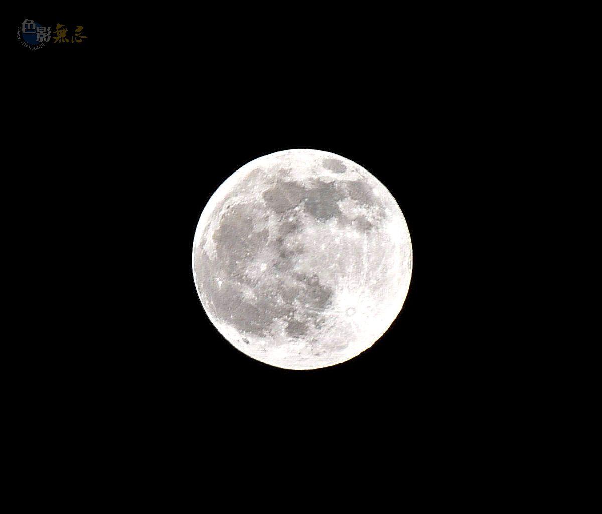 之颠摄影作品 月亮的脸偷偷地在改变 3