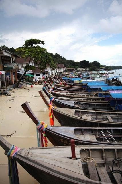 warcow作品:普吉的渔港