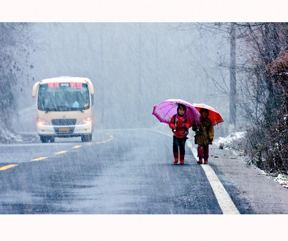 乱拍的家伙作品:风雪上学路