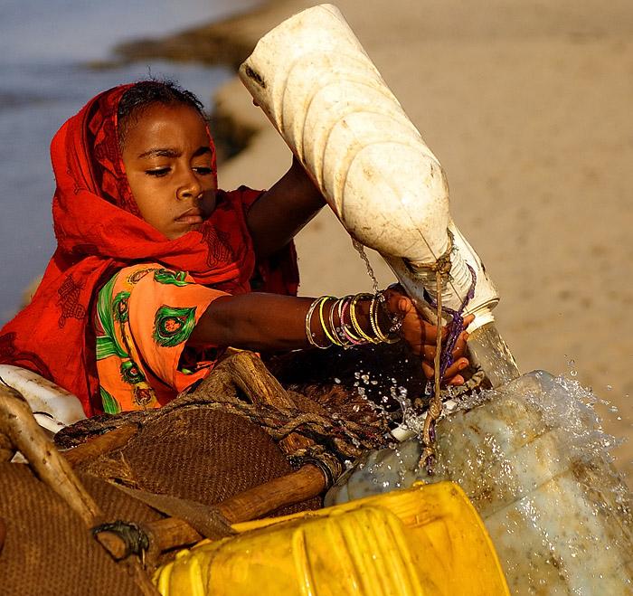 windforcetwo作品:打水的阿拉伯少女