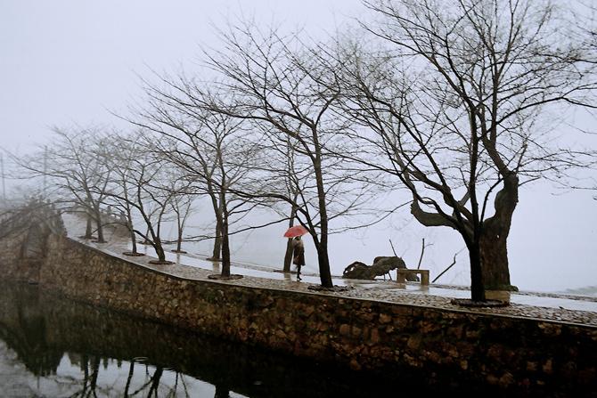 xzg301作品:鼋头雨雾