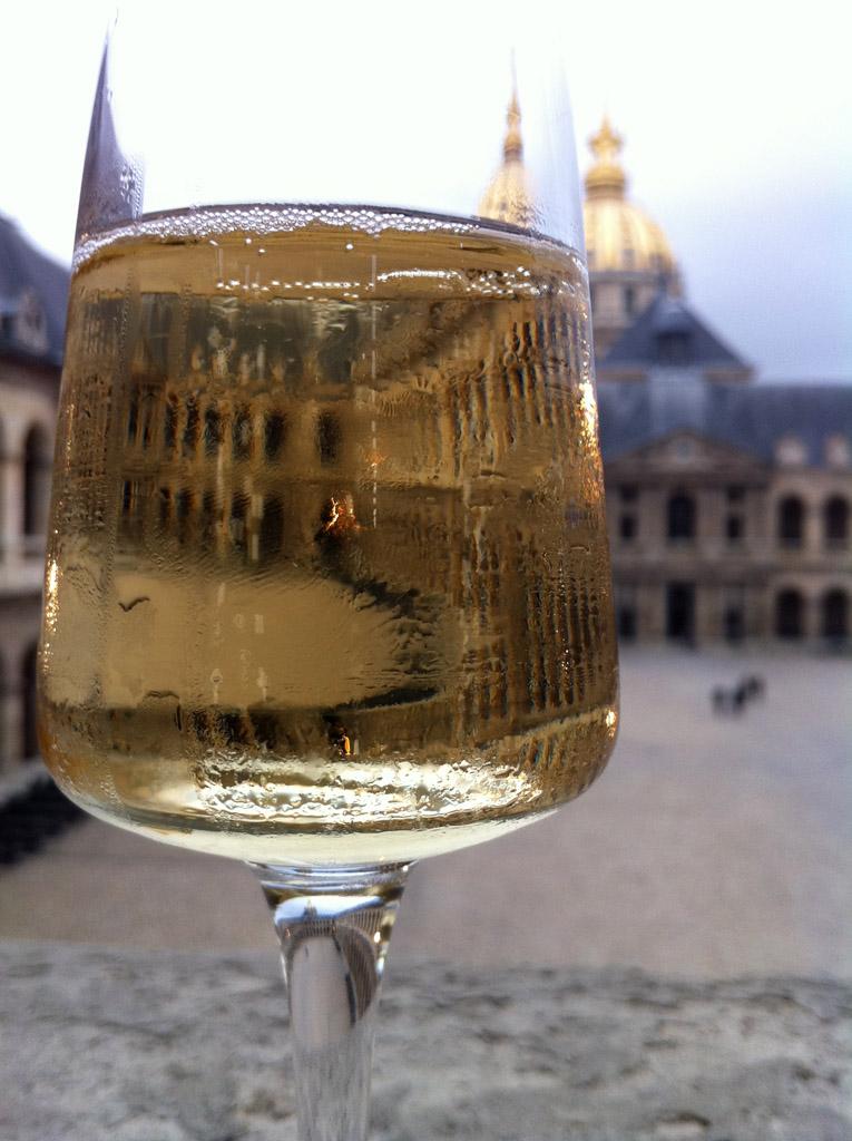 dennisx作品:酒杯中的巴黎