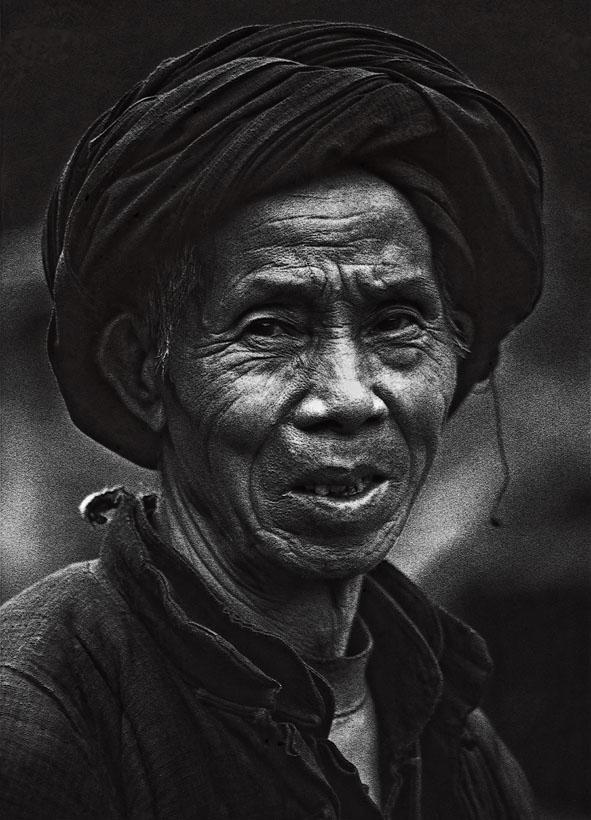 老人黑白头像素描