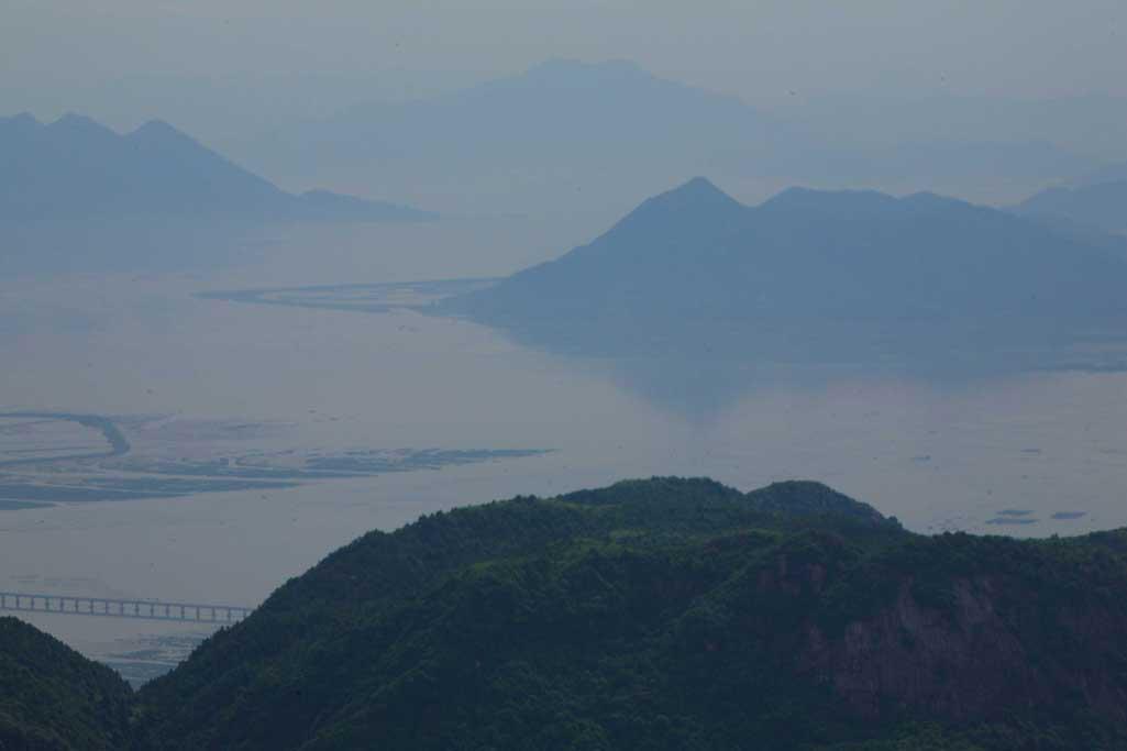 caoyunma作品:凤凰山远眺