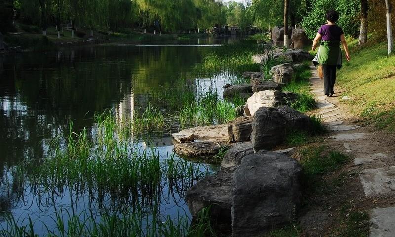 lili5346作品:护城河畔