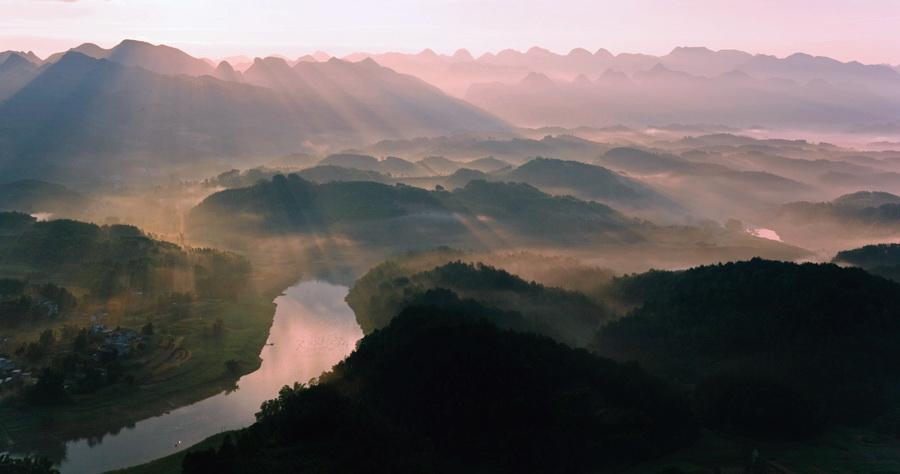 飞龙在天118作品:晨彩斑斓织美影