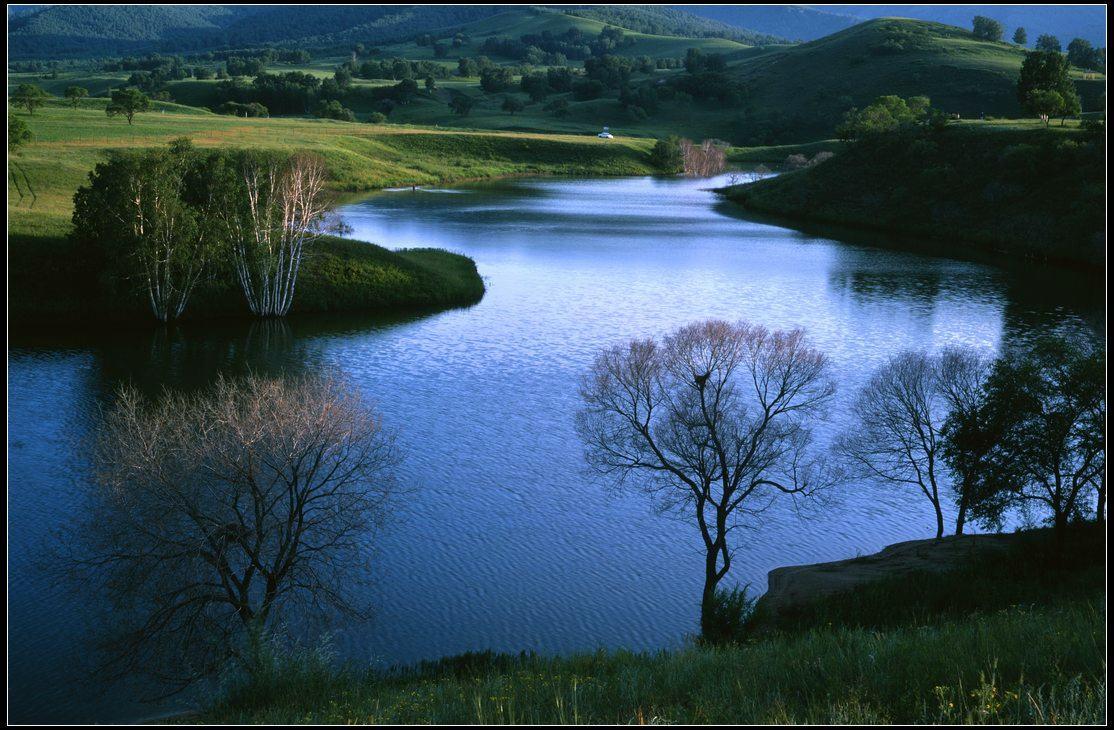 花果山作品:在水一方