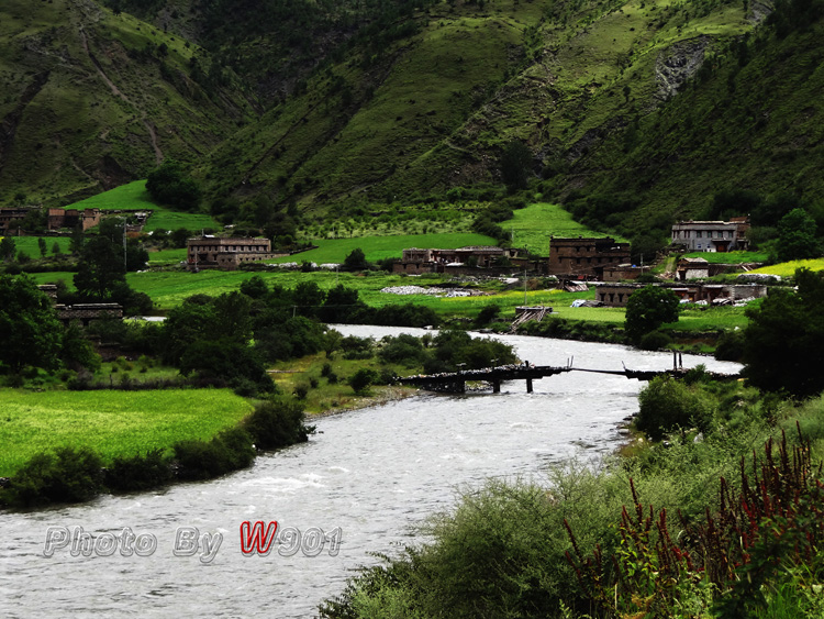 w901作品:藏族小村庄