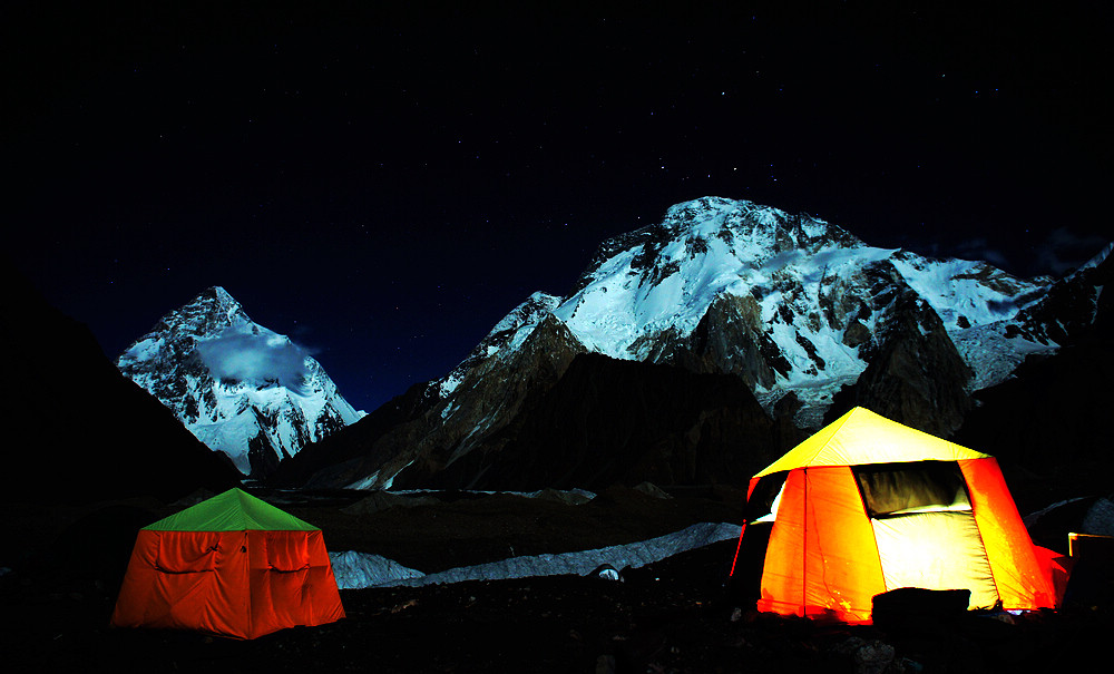 子非鱼作品:喀喇昆仑 K2 & Broad Peak 夜色