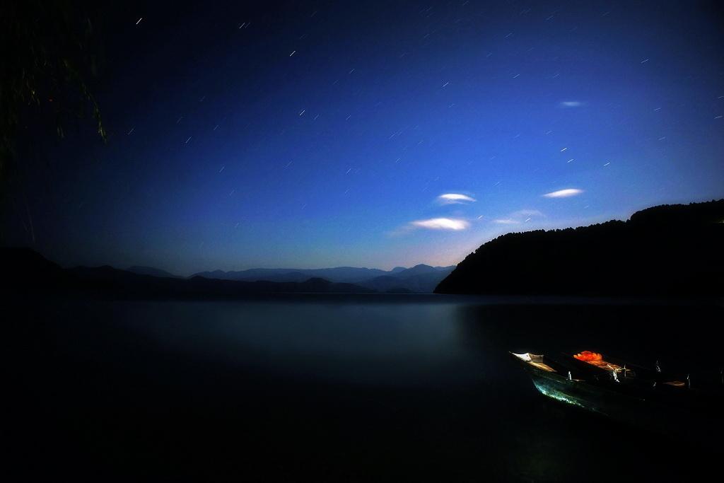 游雨作品:泸沽湖掠影[组]