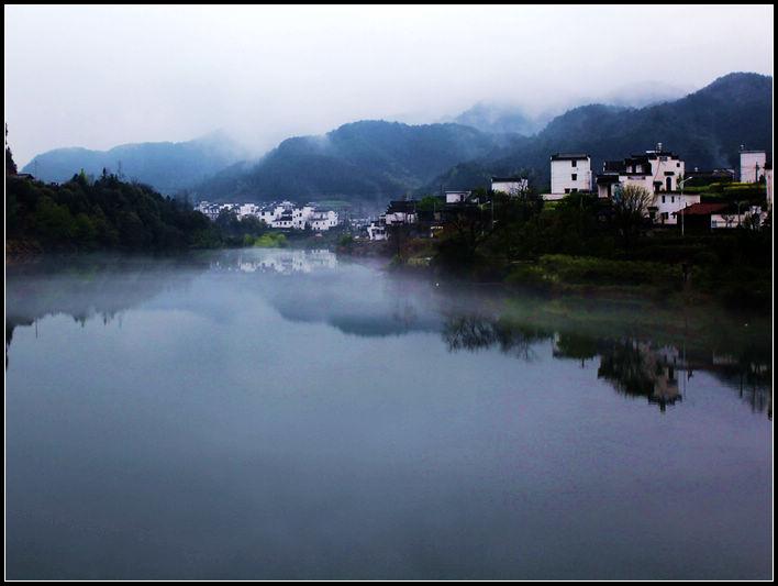 随身心动作品:宁静的山村