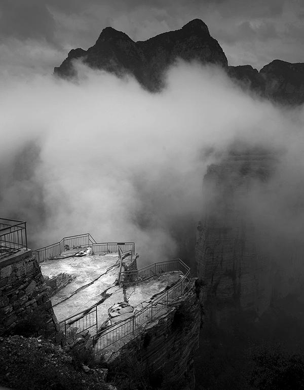 超级猎手作品:雨雾锡崖沟