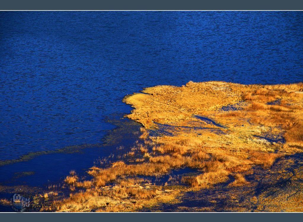 藏地密码-1作品:卡萨湖之秋